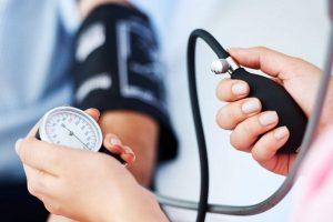 140-100 nyomás a magas vérnyomás a magas vérnyomás kockázati tényezőinek korrekciója