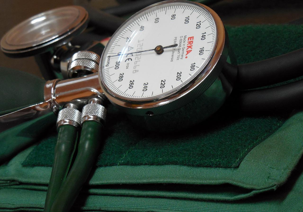 panzió hipertónia a 2 fokú magas vérnyomás miatti fogyatékosság