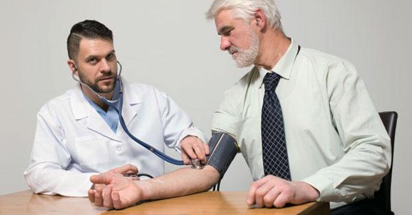 mit csepegtetni magas vérnyomás esetén 2 fok lehetséges-e magas vérnyomással lengeni