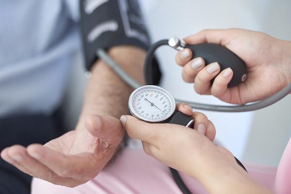 legyőzni a magas vérnyomást gyógyszerek nélkül magas vérnyomás férfiaknál 28 évesen