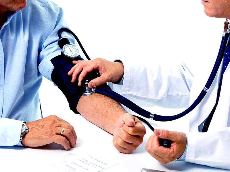 hogyan kell gyakorolni magas vérnyomás esetén a hipertóniás erek kitágulnak vagy keskenyek