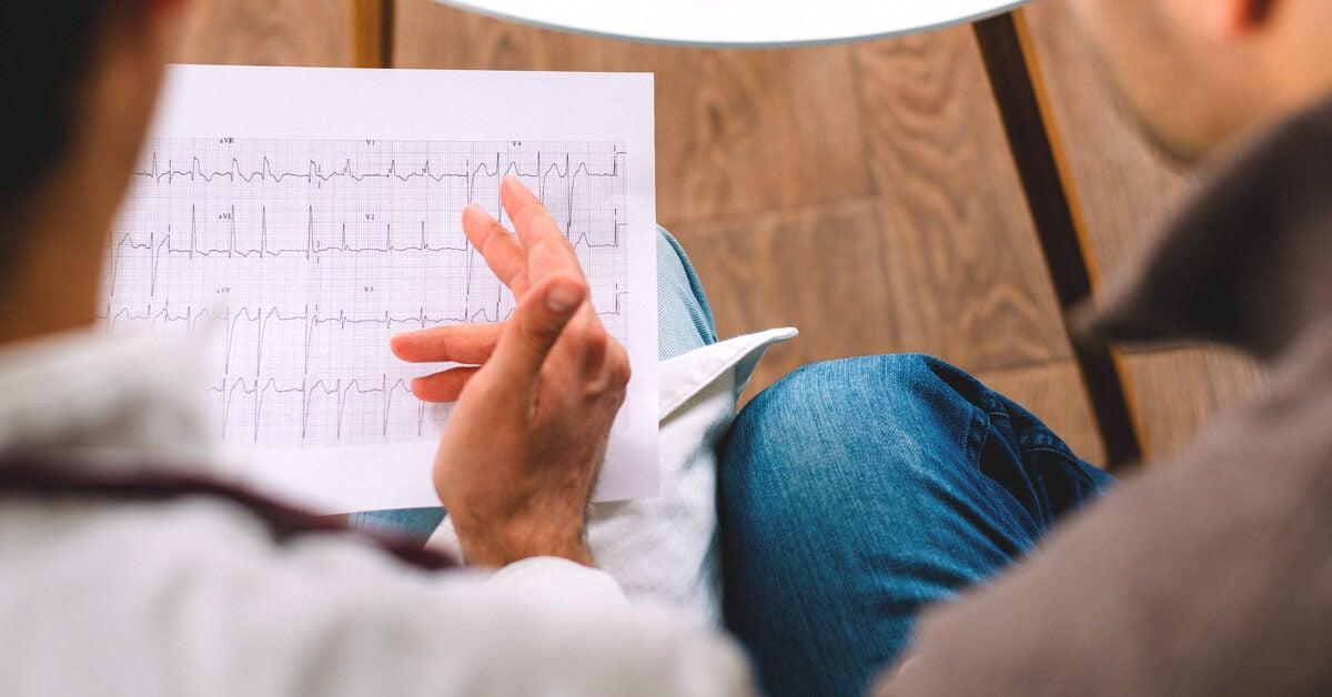 hogyan lehet otthon kezelni a 3 fokozatú magas vérnyomást fordítsa le a magas vérnyomást