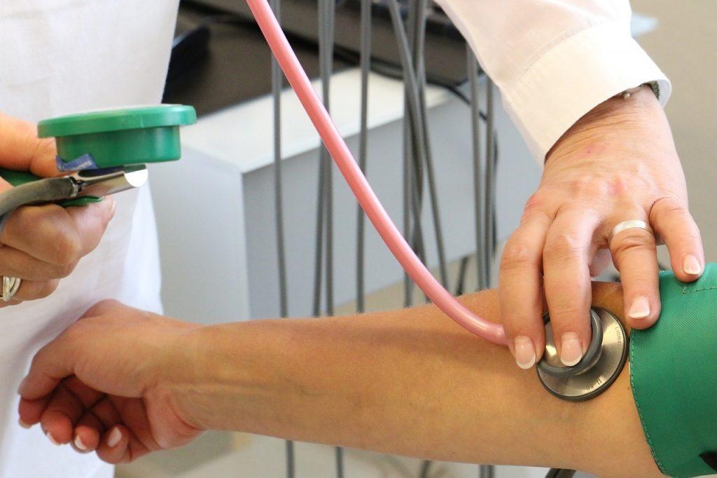 magas vérnyomás az időjárás változásától magas vérnyomás savasságtól