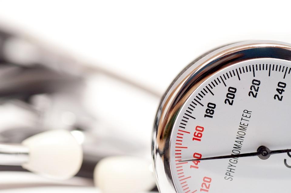 vese nyomás és magas vérnyomás magas vérnyomás tünetei gyakorolják