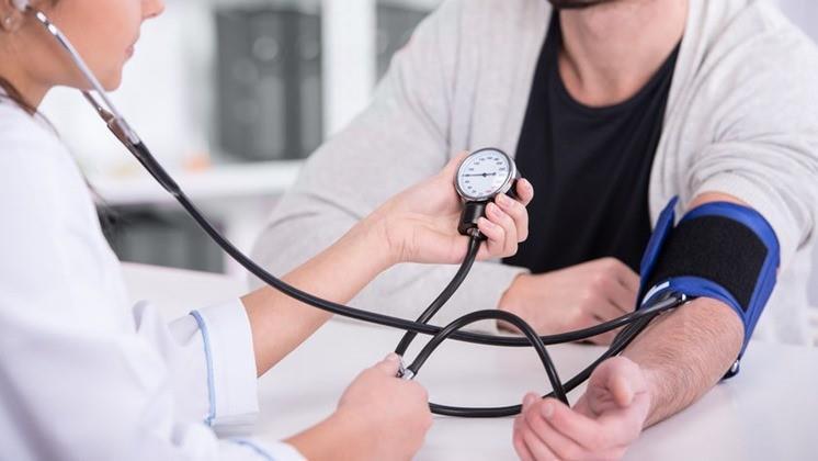 megnövekedett nyomás stressz-magas vérnyomás alatt magas vérnyomásban szenvedő betegek oktatása