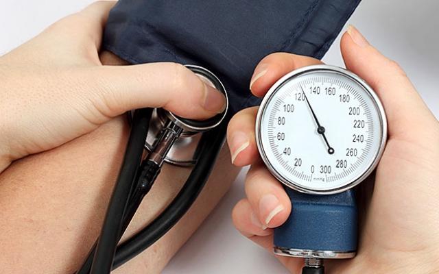 a magas vérnyomás tünetei nőknél 3 stádium magas vérnyomás hogyan lehet megbirkózni