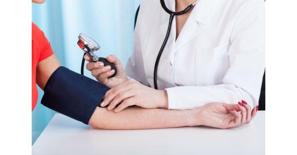 gyógyította a magas vérnyomást járással